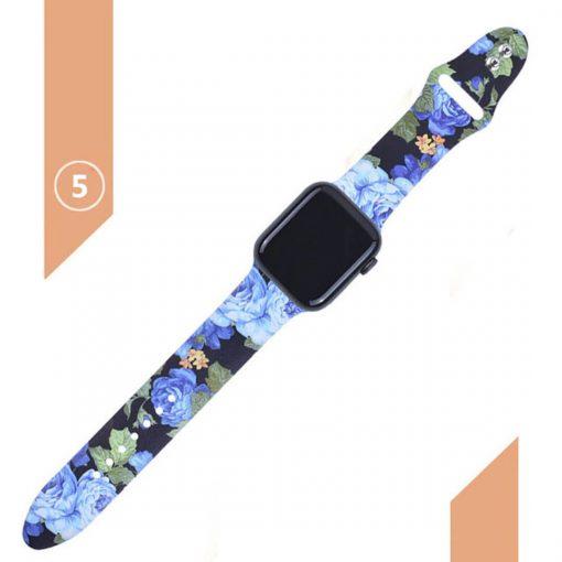 Apple watch siyah kordon üzerine mavi gül desenleri